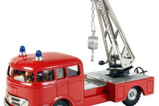 Mercedes hasič jeřáb